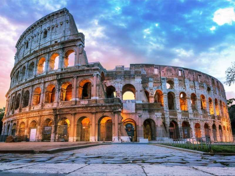 the-roman-coliseum-in-the-early-morning-655490208-5abd1d0f119fa80037ef98b9-ff5b125aa78d2fa5e0d1d71672b98e66.jpg